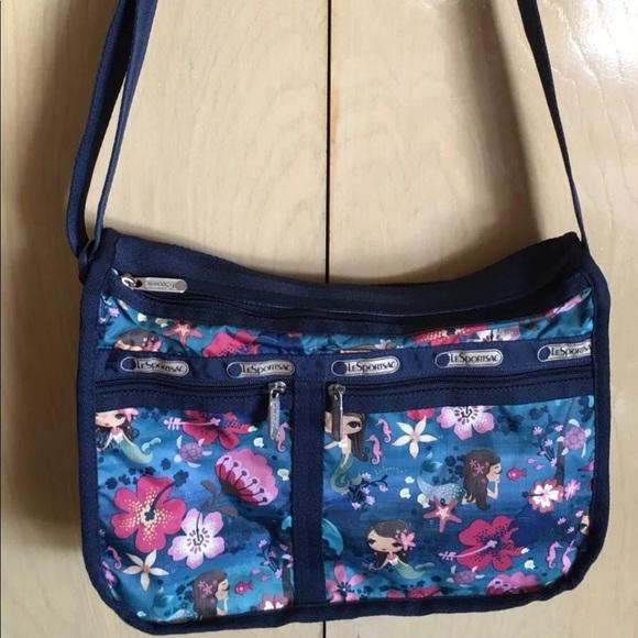 d5f3a17ef6e0 Lesportsac Handbags - LeSportsac Deluxe Shoulder Bag - Rare SIRENA Print